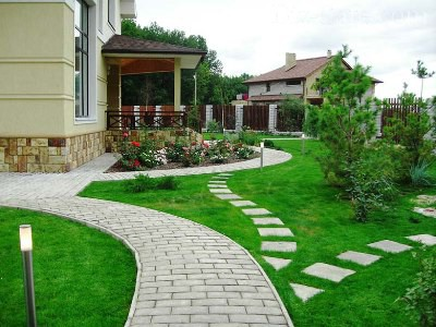 Тротуарная плитка в дизайне сада